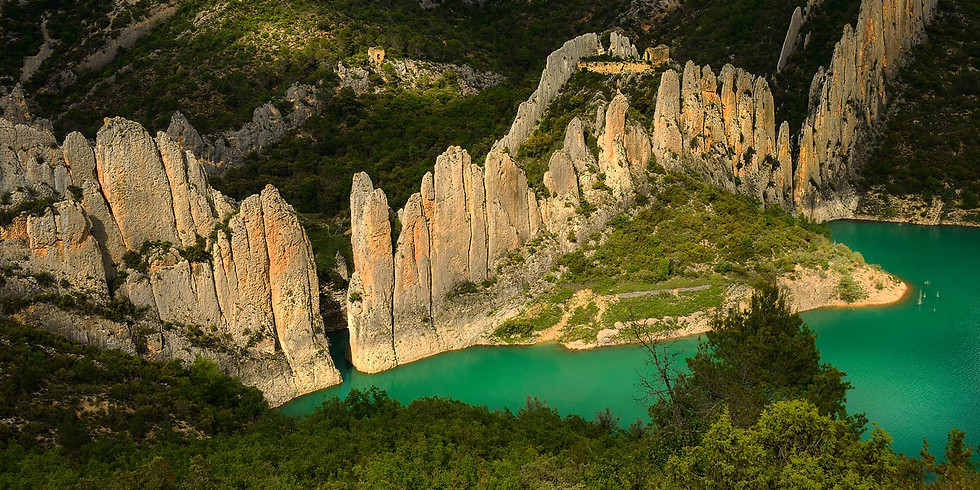 The wonders of the Montsec. 4 days hiking, kayaking and paragliding (optional)