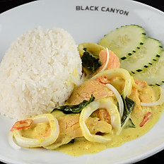 Mixed Seafood with Basil Leaves