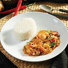 Stir Fried Curried Prawn and Chicken with Rice