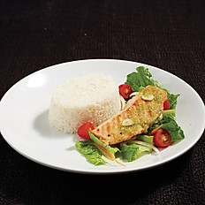 Spicy Grilled Salmon Salad with Rice