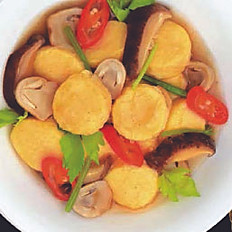 Stir Fried Bean Curd with Mushroom Gravy
