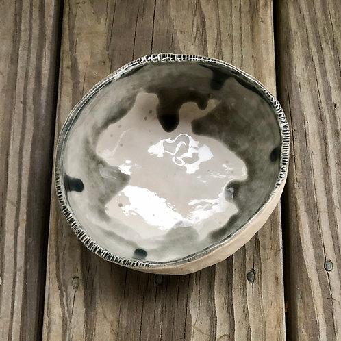 Gray/White Pinch Bowl