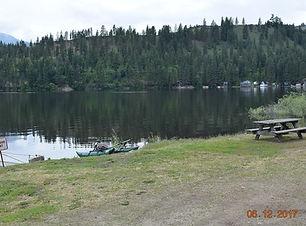lake and wilderness tente.jpg
