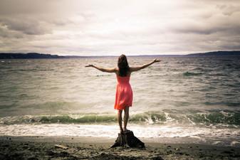 high schoo senior girl dreams and the ocean