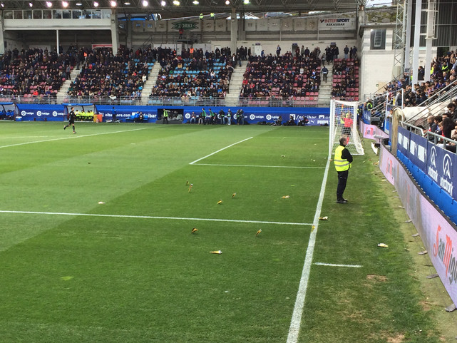 iPhone Archive: Eibar's Paper Airplanes