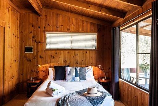 timber-cabins2_granite-belt-retreat_749x
