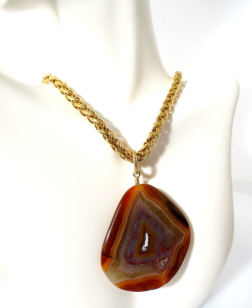 Condore Agate Pendant necklace accented with