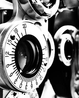 optometrist-lens-black-and-white-wallpap