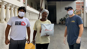 Empresa baiana doa 1.000 máscaras sustentáveis para abrigos de Salvador.