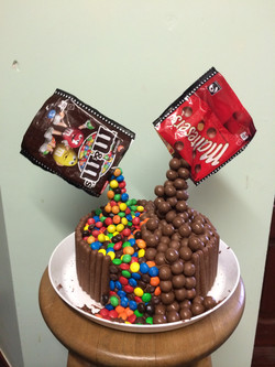 Gravity Devying Cake (Chocolate)