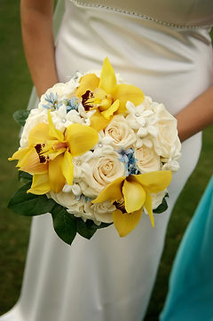 Yellow and cream bridal bouquet.