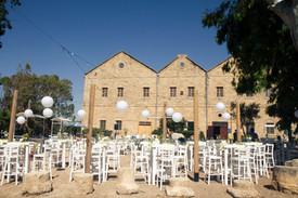 חתונה בחצר במוזיאון.jpg