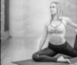 yoga-3053487.png