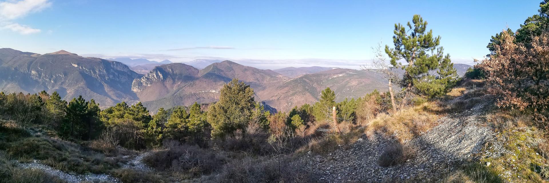 Salendo verso il Monte Revellone