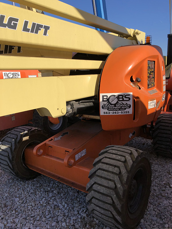 JLG 450AJ right side view