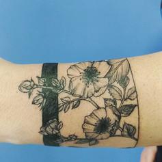 Primeira sessão do bracelete de flores.
