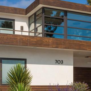 Leed-Home-Newport-Beach-hero-image-scale