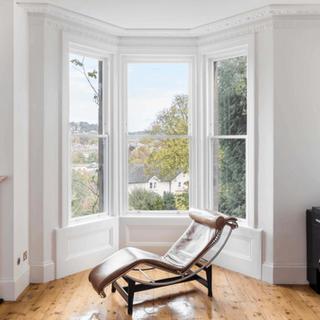 Bath-Bespoke-sash-window-restoration-bat