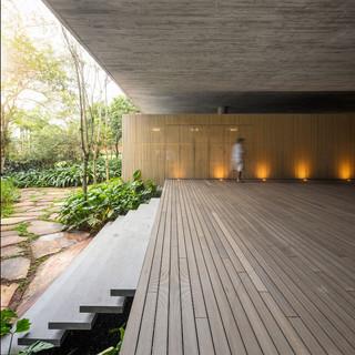 Brazilian-Beach-House-square-2-950x950.j