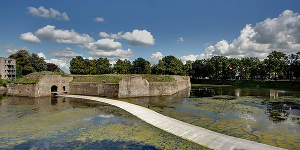 Floating-Bridge-full-width-1900x952.jpg