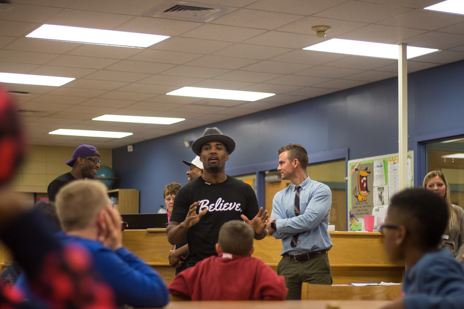 Willie Mo with Students.jpg