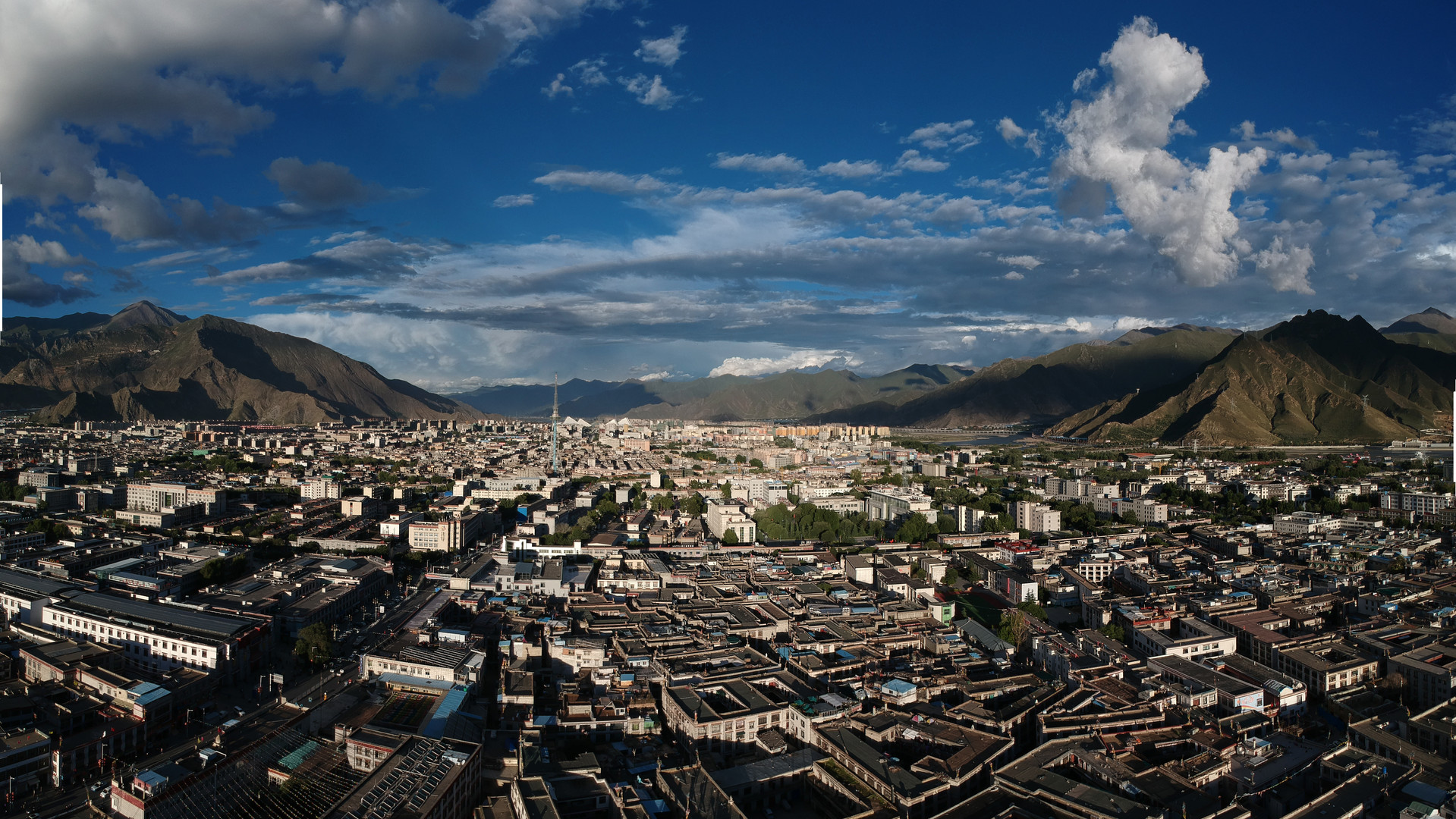 Drone shot in Lhasa