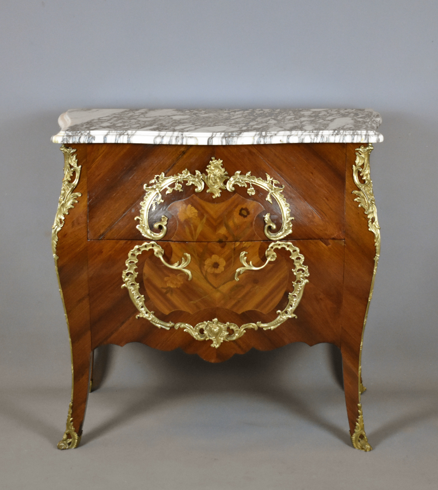 French Antiques & Decorative Objects