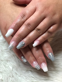 Pose d'ongle_manucure _ongles_ongle_nail