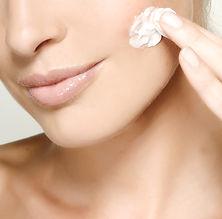 Colose ihonpuhdistus, naamiot, kostusemulsio, Detox, päivävoide, yövoide, voiteet, kaviaarituotteet