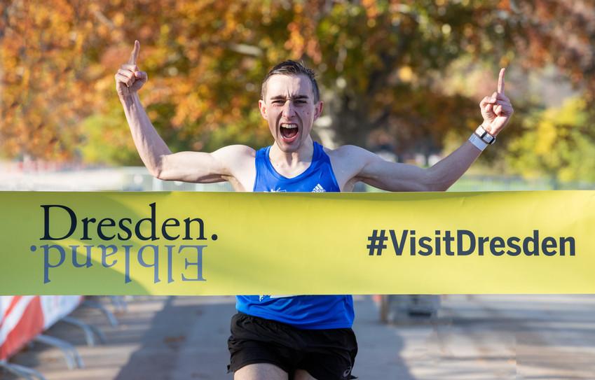 Jonas Müller famos – Sieg beim Elite-Marathon in Dresden