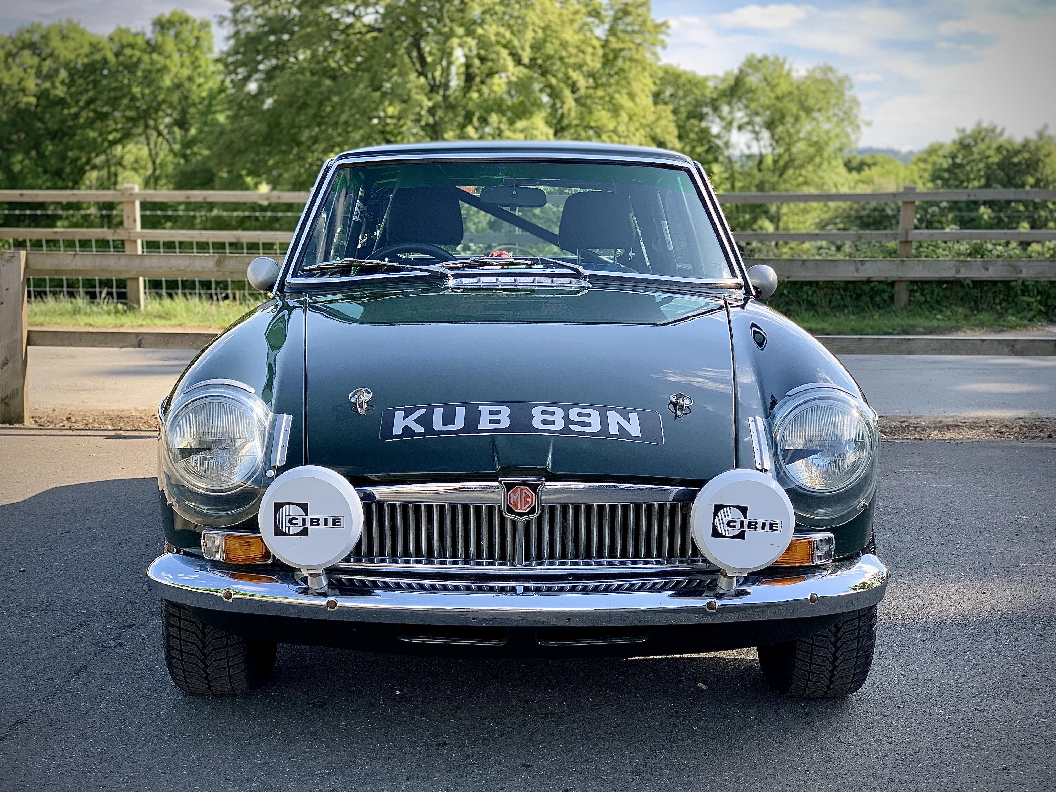 1975 MGB GT