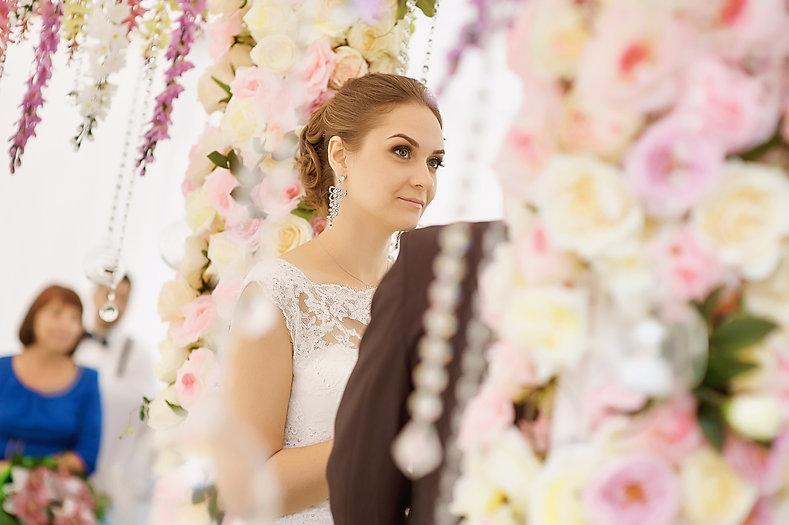 """Невеста на выездной церемонии. Студия торжеств """"ДИНАСТИЯ"""""""