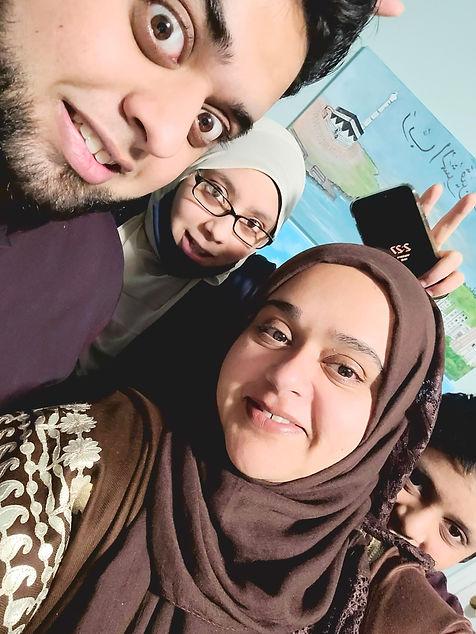 Farheen_with_kids.jpg