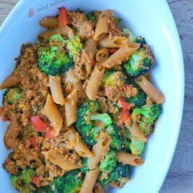 Mesni narastek z brokolijem