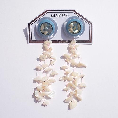 EARRINGS SHELL × PEARL 1