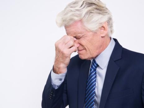 Apresentação de atestado médico falso pelo empregado autoriza dispensa por justa causa