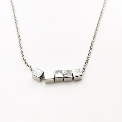 Collier cubes Accessoire Studio accessoires