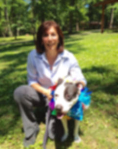 Glenda Cohen-Green training a resue pitbull from the shelter