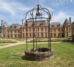 Le Château de la Rivière se découvre - Article de l'Echo Républicain