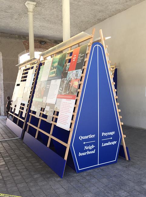 Biennale Panneau Exterieur