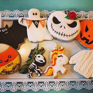 We have more Halloween cookies! Anyone i