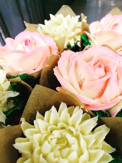 Floral cupcakes, pack of 6