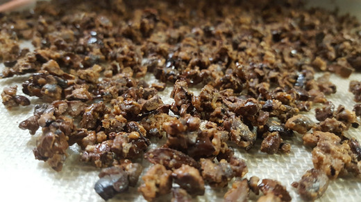 Candied cocoa nibs