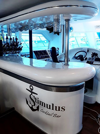Cocktail Bar Stimulus Yacht Charter