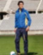en man på en fotbollsplan