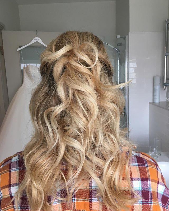 Beachy bridal hair - Wotton House