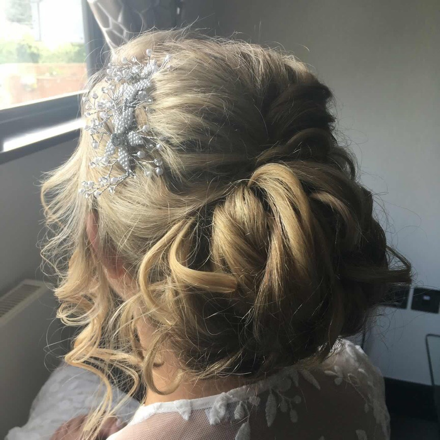 Set textured up do for brides