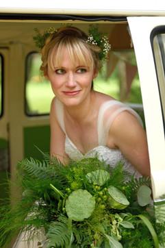 Green Tee bridal shoot - Kingswood Golf