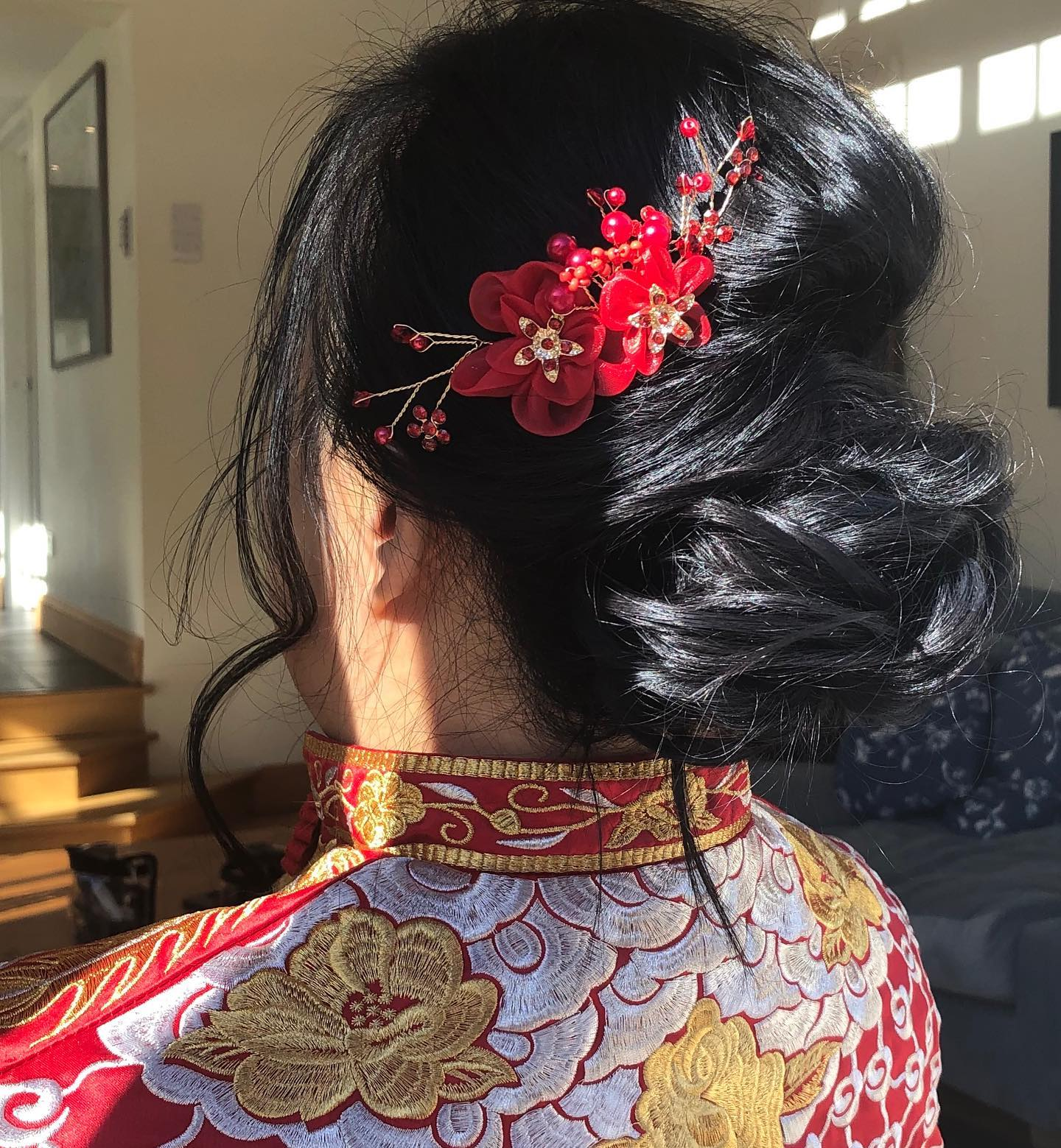 Chinese bridal hairstyling