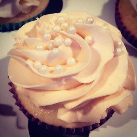 Bridals Shower Cupcake with Pearls